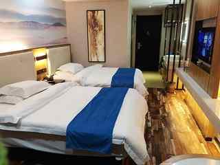 多瑙河假日酒店
