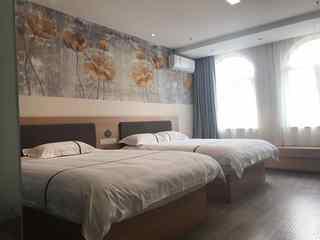 365+云盟酒店(石家庄鹿泉新北国商城抱犊寨景区店)