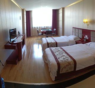 棕楠海假日酒店