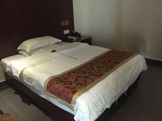 鹏泰商务酒店