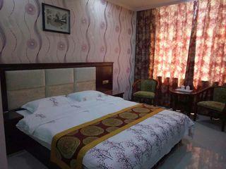 晋泉商务酒店