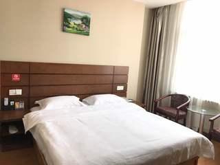 皇品时尚酒店(金港中央广场店)