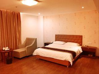轻住·晶鑫商务酒店