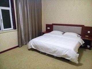 西域阳光生态酒店(机场店)