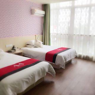 环湖假日酒店