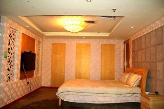 中南假日酒店