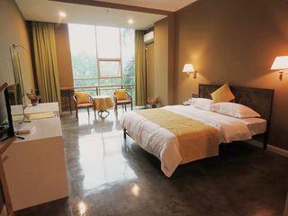 轻住·澜途酒店(江畔花园店)