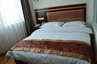 玉隆商务酒店