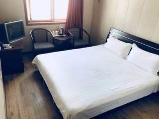 宏冠隆旅馆(西站后广场店)