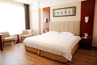 红事会温泉酒店