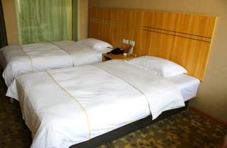 中州皇冠商务酒店
