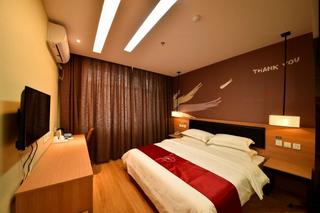 尚客优快捷酒店(赤峰坤港路店)