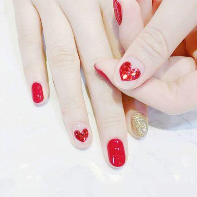 指尖上的爱美甲款式图