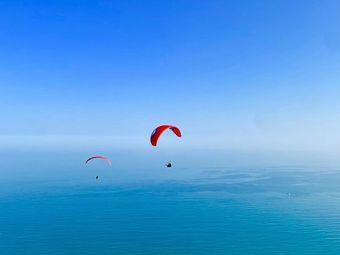 双月湾滑翔伞基地