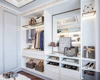 经济型120平米三室两厅法式风格衣帽间欣赏图