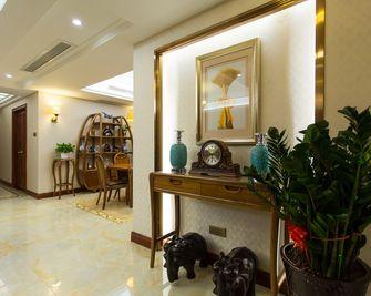 15-20万80平米三室两厅新古典风格客厅效果图
