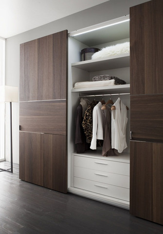 5-10万90平米三室两厅北欧风格衣帽间装修案例