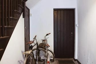 30平米小户型现代简约风格楼梯间图片