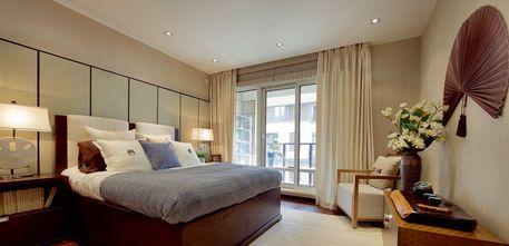 3万以下110平米三室一厅东南亚风格客厅图