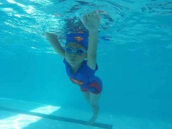 银河游泳培训基地