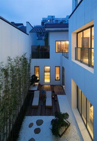20万以上140平米别墅混搭风格阳台图片