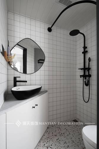 豪华型130平米三室两厅现代简约风格卫生间装修案例
