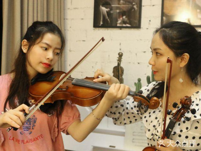 Soft Young轻年·文艺音乐会社