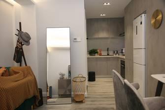 60平米一居室轻奢风格玄关图