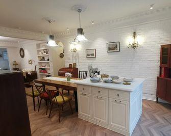 富裕型130平米三室两厅法式风格餐厅设计图