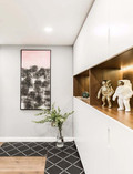 15-20万80平米现代简约风格玄关设计图