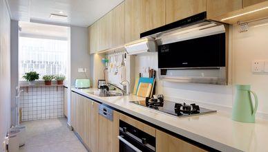 现代简约风格厨房图