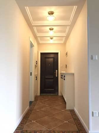 10-15万130平米三室两厅现代简约风格走廊欣赏图