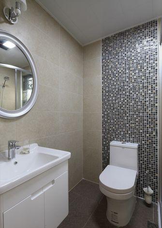 经济型100平米三室一厅现代简约风格卫生间图片