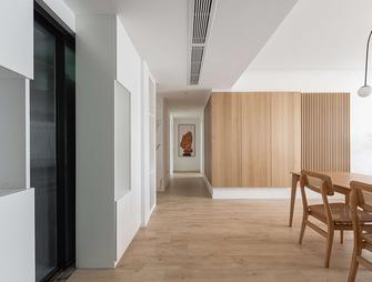 富裕型140平米三现代简约风格走廊装修案例