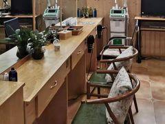 巴马瑶寨头疗养生会所的图片