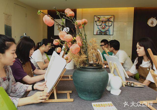 友枝艺术馆·成人美术画室(小白楼店)