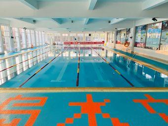 半岛水立方游泳培训中心