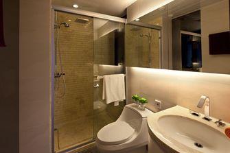 富裕型90平米三现代简约风格卫生间装修图片大全