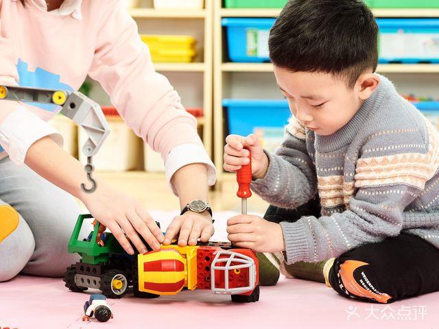 哈奋儿童科技营乐高托班机器人(闲林校区)