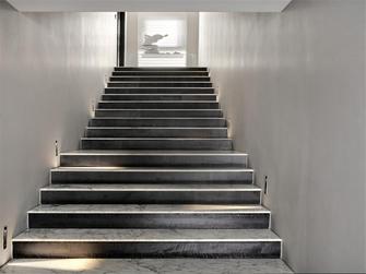 富裕型140平米三室一厅现代简约风格楼梯间欣赏图