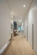 15-20万70平米三现代简约风格走廊欣赏图