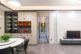 130平米三室一厅现代简约风格走廊欣赏图