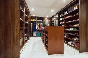 豪华型140平米别墅混搭风格衣帽间图片