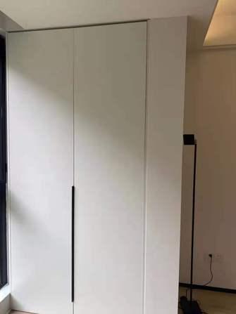 现代简约风格储藏室装修案例