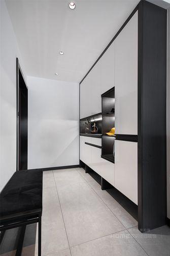 10-15万130平米三室两厅现代简约风格玄关设计图
