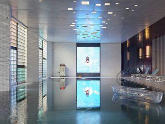 星空游泳池