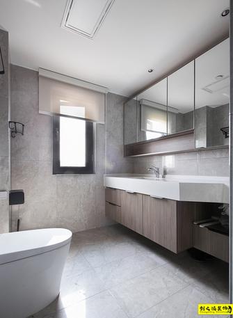富裕型130平米三室两厅现代简约风格卫生间图