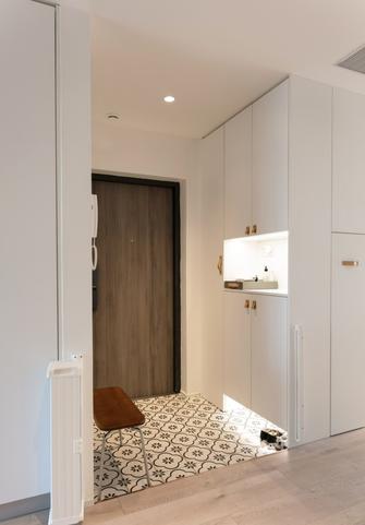 10-15万三室两厅日式风格走廊装修案例