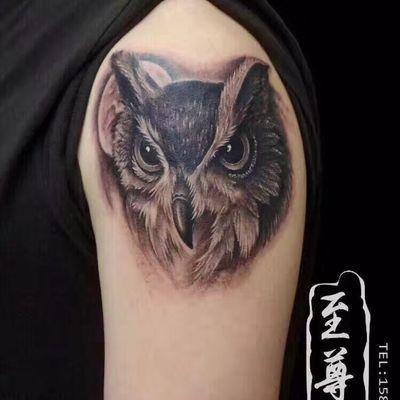鹰头纹身图