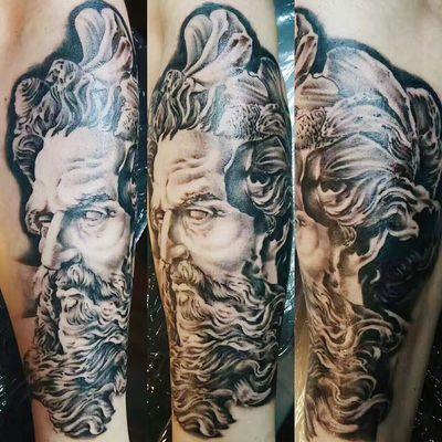 黑灰写实纹身款式图